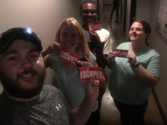 Murfreesboro, TN: We escaped the fallout room!!! It felt so great to escape, it was such a satisfying feeling. I h