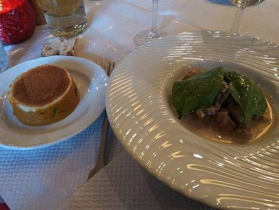 Port-Lesney, Francia: rognon de veau flambé au cognac gâteau de carotte/ épinard gratiné au parmesan