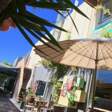 Burleigh Heads, Austrália: Outdoor Seating in the Laneway Sunshine