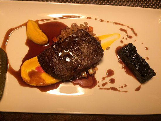 Kuusamo, Finland: Roast beef of reindeer, reindeer pudding, spelt and port wine sauce