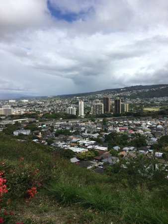 National Memorial Cemetery of the Pacific: The view of Nu'uanu in the backside of Punchbowl.