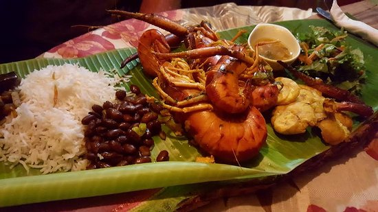 Calibishie, Dominica: crayfish dinner