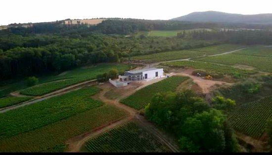 Mercurey, France : La nouvelle cuverie du domaine / The new winery of the domain