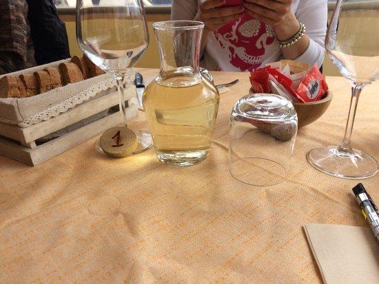 Pieve Fosciana, Italien: il tavolo