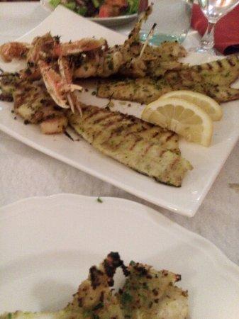 Cupramontana, İtalya: Gran grigliata