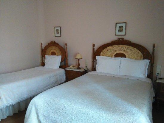 Alegre Hotel: Habitación