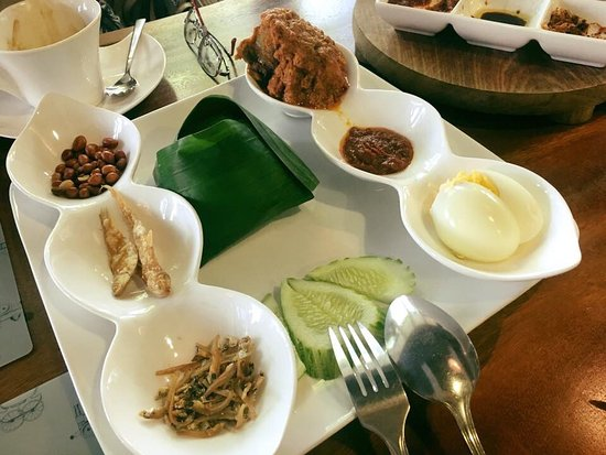 Tanah Aina Cafe Shah Alam Ulasan Restoran Tripadvisor
