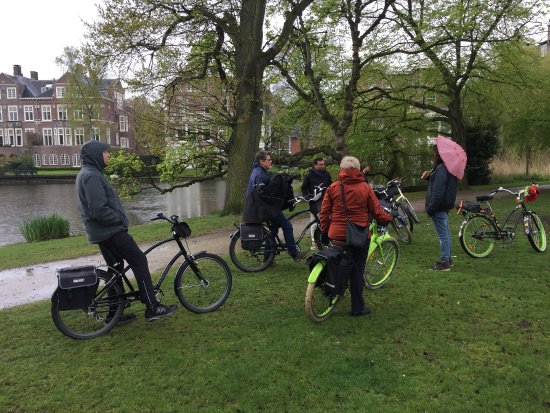 Mike's Bike Tours & Rentals: Diego leads the tour in rain or shine.