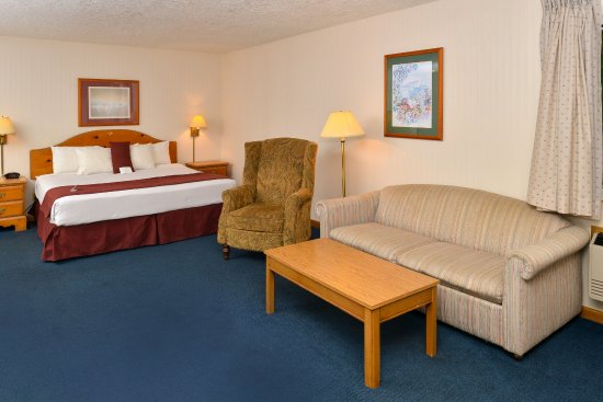 Thunderbird Inn : Single King Room with Jacuzzi