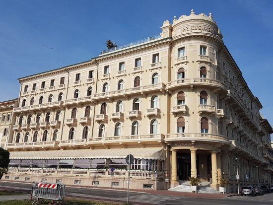 Grand hotel principe di piemonte viareggio italy tuscany reviews photos price - Bagno maurizio viareggio ...