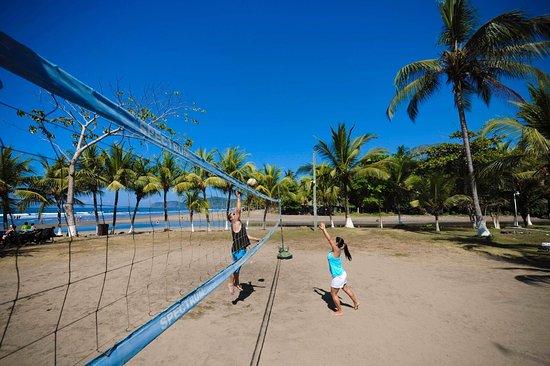 Beach Break Resort : Free Volleyball on the beach