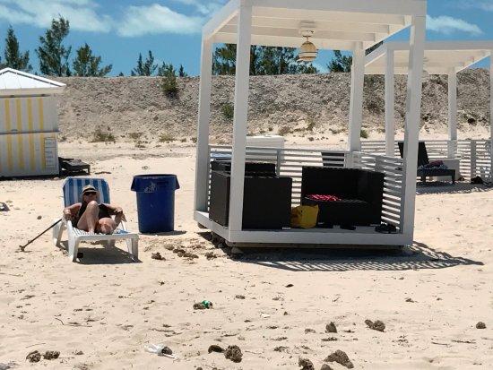 Bimini: Cabana (must pay)