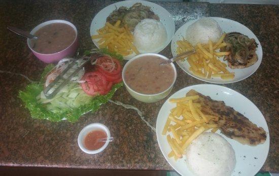 Boicucanga, SP: Algumas delícias  do sebasthiana restaurante pé  na areia