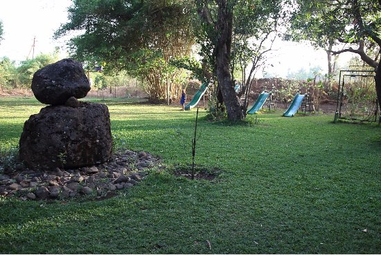 High Tea Area Garden - Picture of Malhar Machi, Valane - TripAdvisor