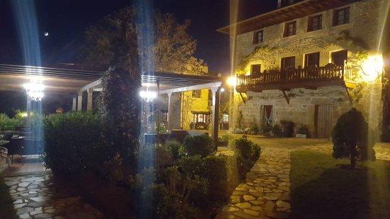 Novales, España: Hosteria El Pomar