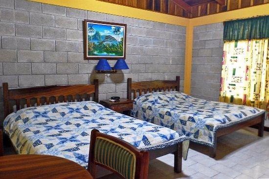 Nicoya, Costa Rica: Habitación grande 2 camas matrimoniales