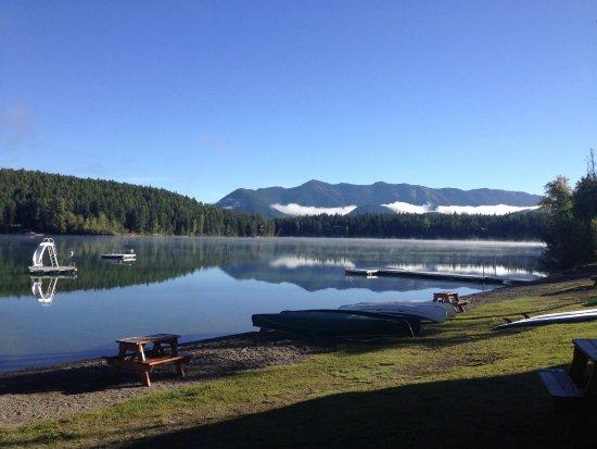 Lake Five Resort: Fall in the Rockies