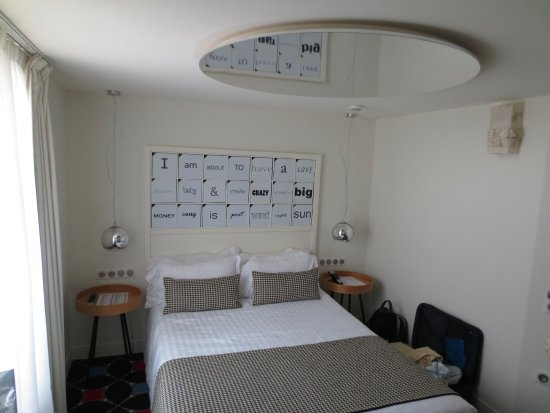 Hotel Joke Astotel Mirror On Ceiling Over Bed