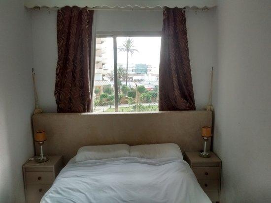 Palm Beach Club Apartaments: Nice comfy bed