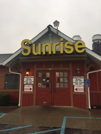 ‪Sunrise Family Restaurant‬