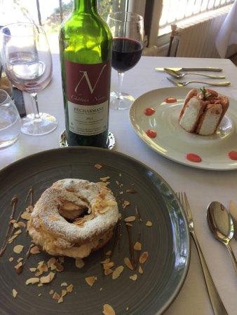 Sainte-Livrade-sur-Lot, Frankrig: Un Pécharmant bio qui a parfaitement accompagné ce succulent repas