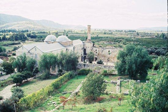 Isa Bey Mosque: Außenansicht...