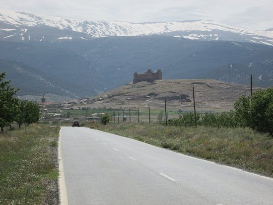 Von weitem sichtbar, La Calahorra Castle