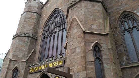 Salem Witch Museum: Exterior