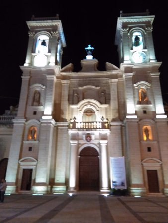 Haz-Zebbug, Malta: Haz-Zeubug Parish Church lit by night