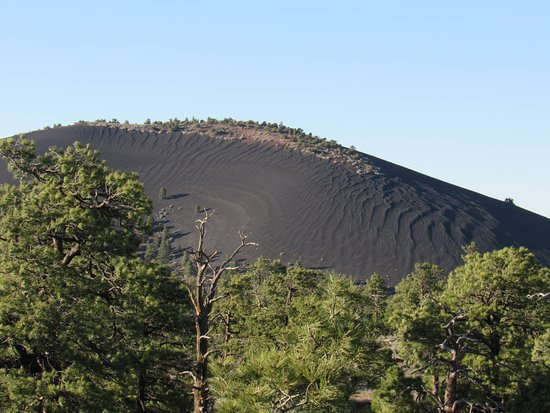 Sunset Crater Volcano National Monument: cinders
