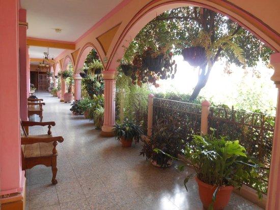 Hotel El Chaparral: Pasillos del hotel