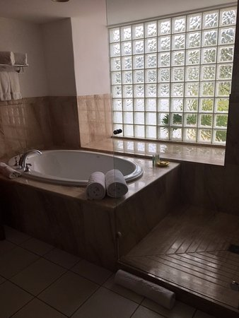 The Valley, Anguilla: Room 204