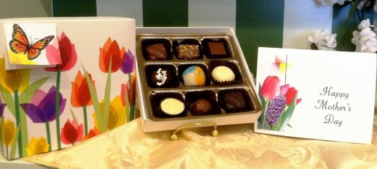 Anderson, SC: Mother's Day Package - Chocolate, Card & Shipping Included