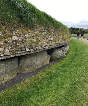 ดับลิน, ไอร์แลนด์: Newgrange