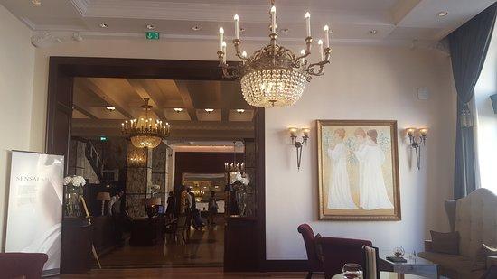 Esplanade Zagreb Hotel: From lobby to the restaurant