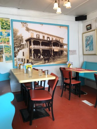 Photo of American Restaurant Maggie's Krooked Cafe & Juice Bar at 6000 Main St, Tannersville, NY 12485, United States