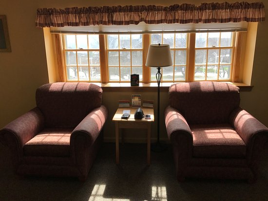 Steele Hill Resorts: Living Room