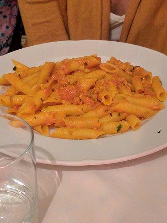 IL Passo di Giano - Ristorante Pizzeria: Garganelli allo zafferano con persico