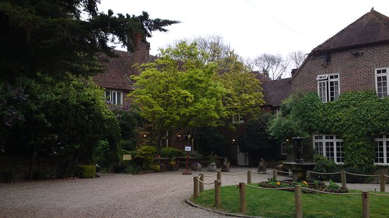 Chartham, UK: hotel and grounds