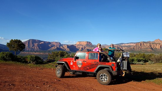 Springdale, UT: The Jeep and our group.
