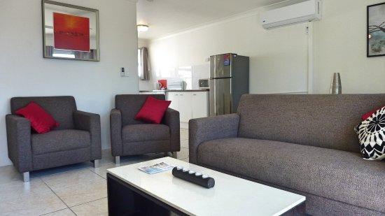 Labrador, Australië: 2 Bedroom Apartment Living Area