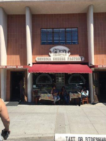 Napa Valley Wine Country Tours: Sonoma Square