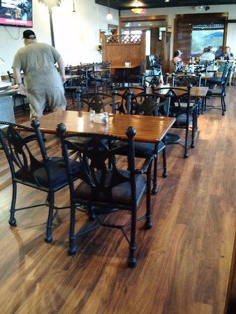 Barnwell, Carolina Selatan: Inside Mr. B's...looks nice