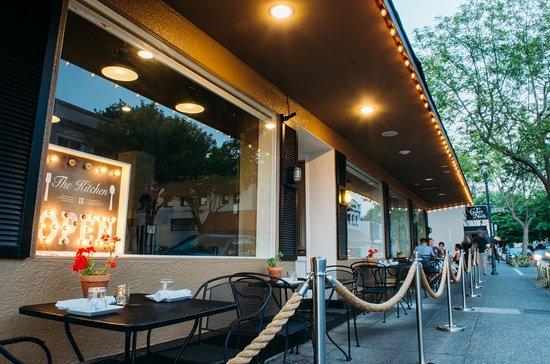 Edmonds, WA: Sidewalk Dining