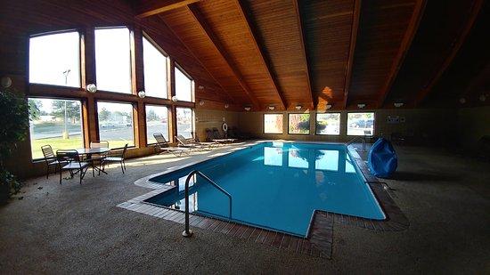Days Inn & Suites Milford Photo