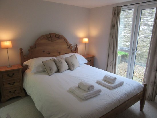Hillfield Village: One of the double rooms of Keepers Lodge