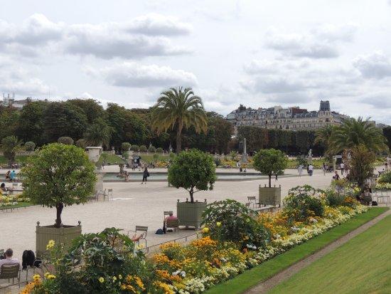 Le charme sans pareil du jardin du luxembourg picture of for Le jardin luxembourg