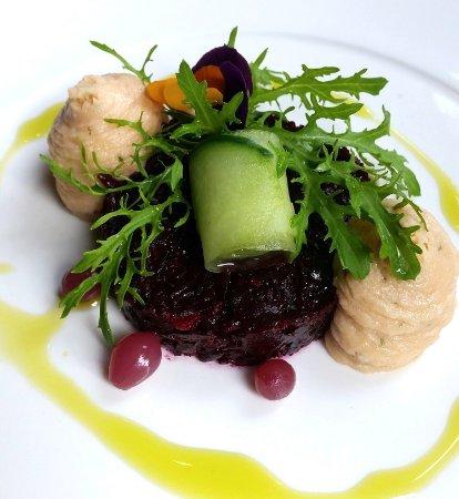 Heerhugowaard, เนเธอร์แลนด์: Starter: beet salad with salmon mousse