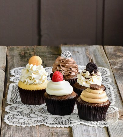 Pittsford, NY: Cupcakes---how sweet it is!