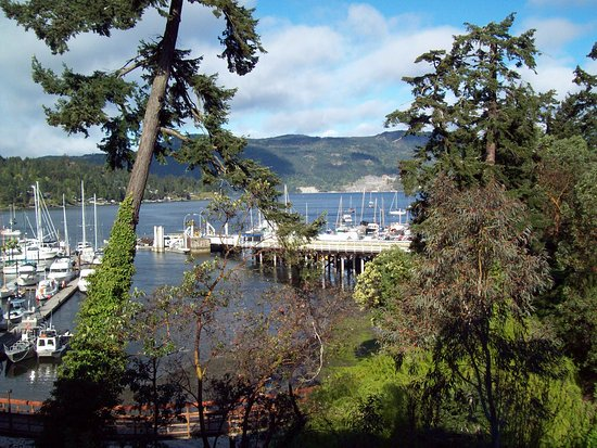 Brentwood Bay Resort & Spa: Mill Bay Ferry Dock
